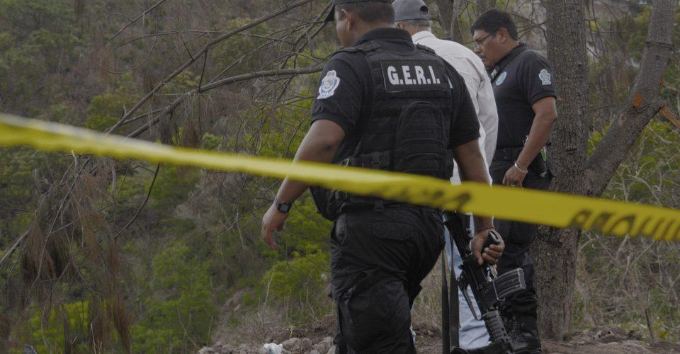 Dejan tres ejecutados  sobre la Chilpancingo - Tixtla, en Guerrero
