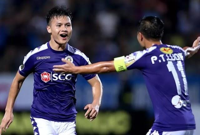 Cầu thủ Quang Hải giành giải 'Cầu thủ hay nhất V-League 2019