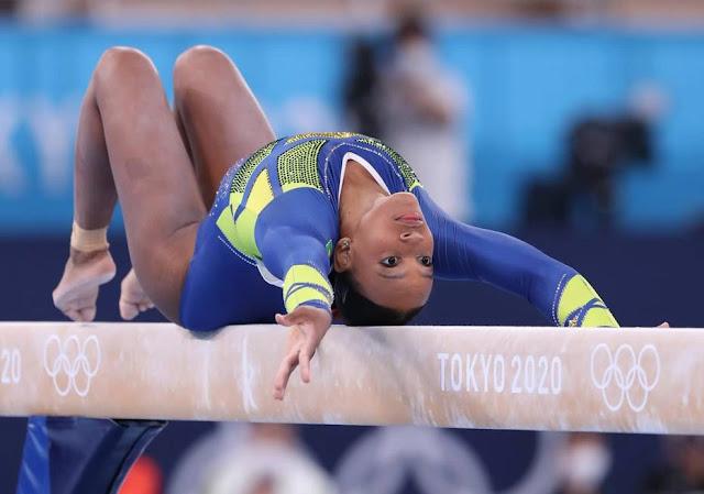 VEJA O VÍDEO: Rebeca Andrade conquista a prata na ginástica artística em Tóquio
