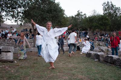 800 θεατές όλη νύχτα στον Παρθενώνα της Πελοποννήσου