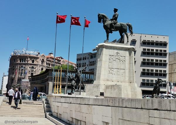 Ankara Ulus Meydanı Atatürk Heykeli - Zafer Anıtı