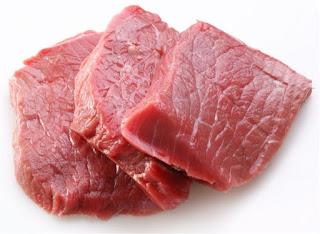 اضرار اللحم النيئ