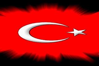 erdogan-sinehizei-na-apeilei-tin-ellada