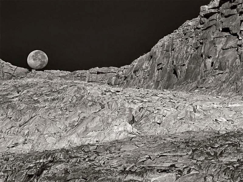 Moonset, California, Peter Essick