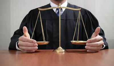 μειονεκτήματα της χρονολόγηση ενός εγκληματία νόμιμη διαφορά ηλικίας για dating στην Καλιφόρνια