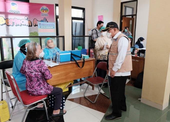 Walikota Targetkan Desember 1,6 Juta Warga Sudah Divaksin