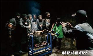 sensasi seru bakar utuh kambing guling kang asep lembang