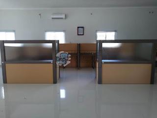 Meja Partisi /office cubicle workstation kapasitas 4 orang