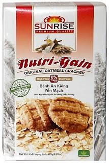 Bánh ăn kiêng yến mạch thương hiệu SUNRISE được công ty TNHH Nhật Thăng phân phối