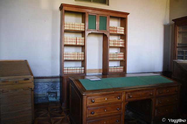 Mobili per lo studio nel Castello Reale di Govone