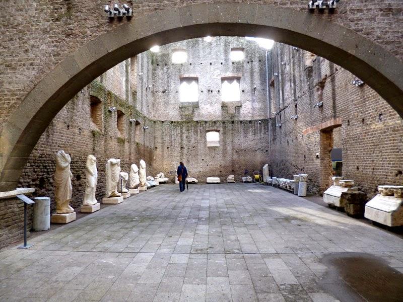 P1020695light - Villa dei Quintili