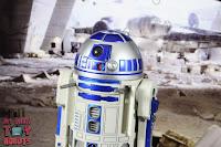 S.H. Figuarts R2-D2 38