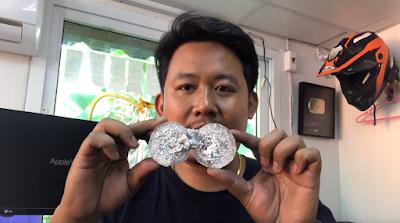 ผ่าครึ่ง aluminum foil balls