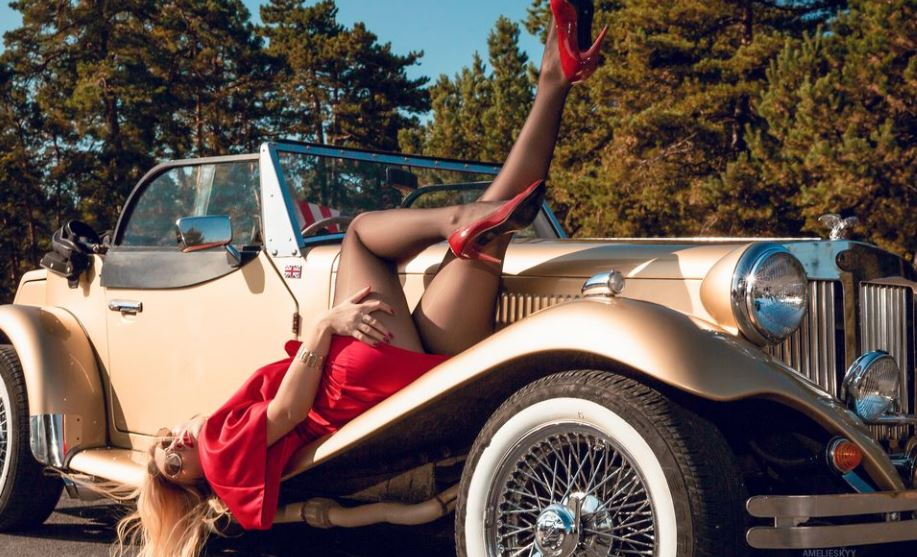 AmelieSkyy Model GlamourCams