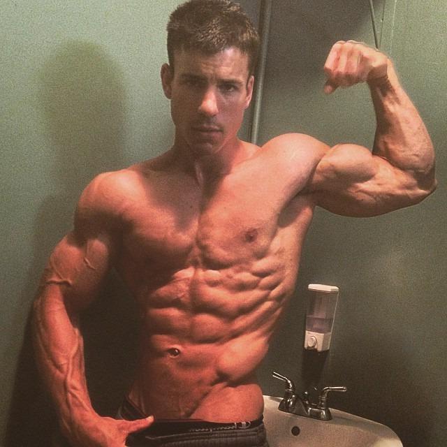 veiny-shirtless-muscle-bro-biceps-flex
