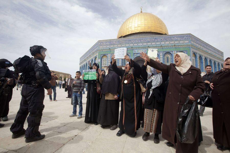 Israel Larang Muslim Palestina Shalat di Al-Aqsha