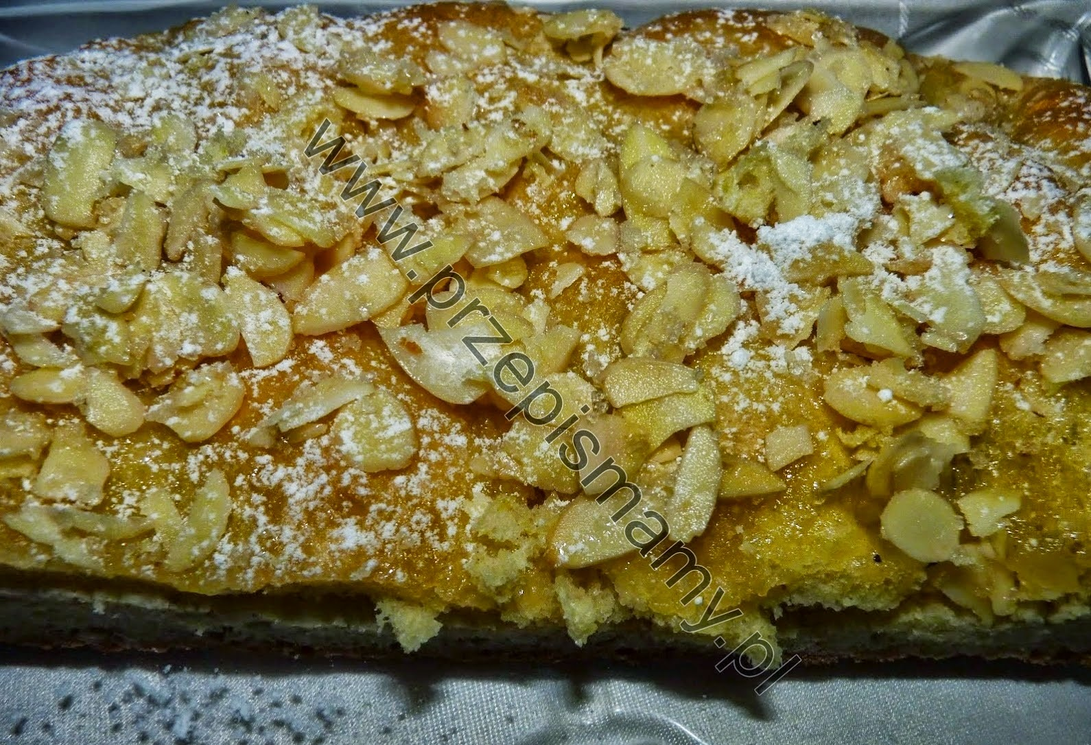 Ciasto drożdżowe z posypką migdałową