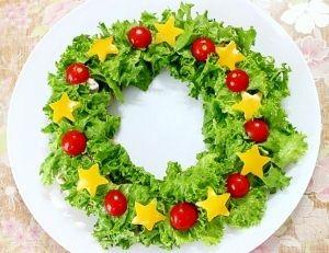 As guirlandas de Natal comestível são opções alternativas para decoração da mesa de Natal e também para as comidas e petiscos de Natal a serem servidos.