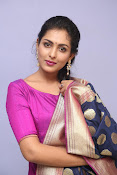 Madhu Shalini laest glam pics-thumbnail-17