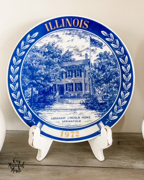 Illinois state plate porcelain blue white Abraham Lincoln Springfield home