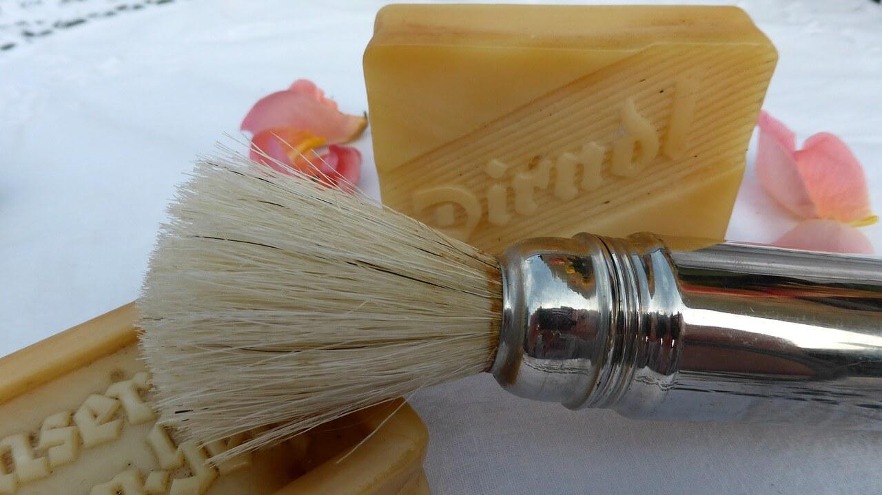 Como limpar pincel de maquiagem