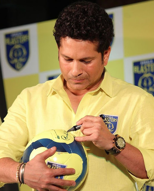 Sachin  Ramesh Tendulkar( Indian Cricketer)  wiki, Family, Wife ,Career , Awards and Achievements and More
