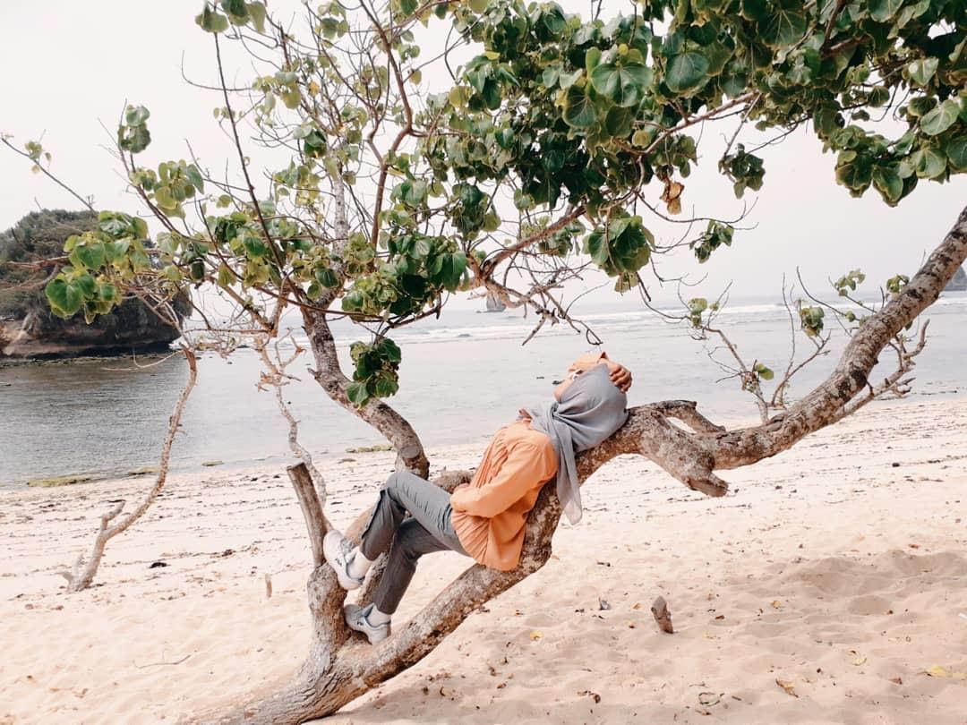 Fasilitas Pantai Watu Leter