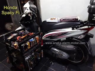 Cara pasang alarm motor remote pada Honda Spacy Fi