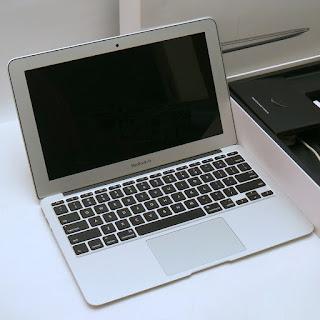 MacBook Air Core i5 (11-inch, Early 2015) Fullset