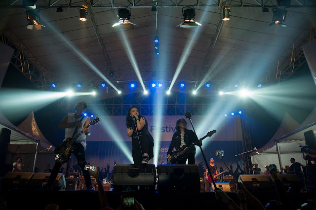 Foto : Kotak Band Beraksi di Sukabumi