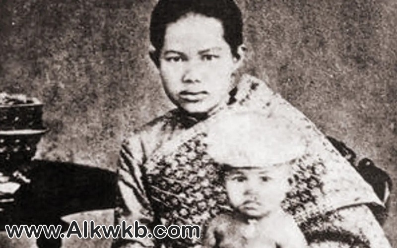 ومن التبجيل ما قتل قصة الملكة ساناندها كوماريراتانا