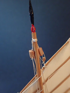 Foremast device on Chinese junk model
