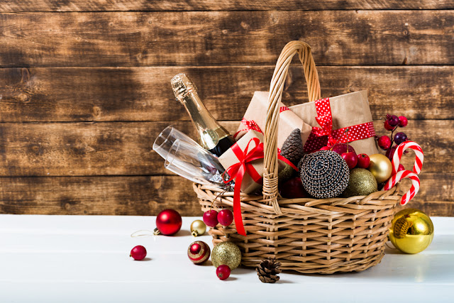 geschenken, dozen, manden, bamboe, riet, wijnflesdozen, GV Center Verpakkingen