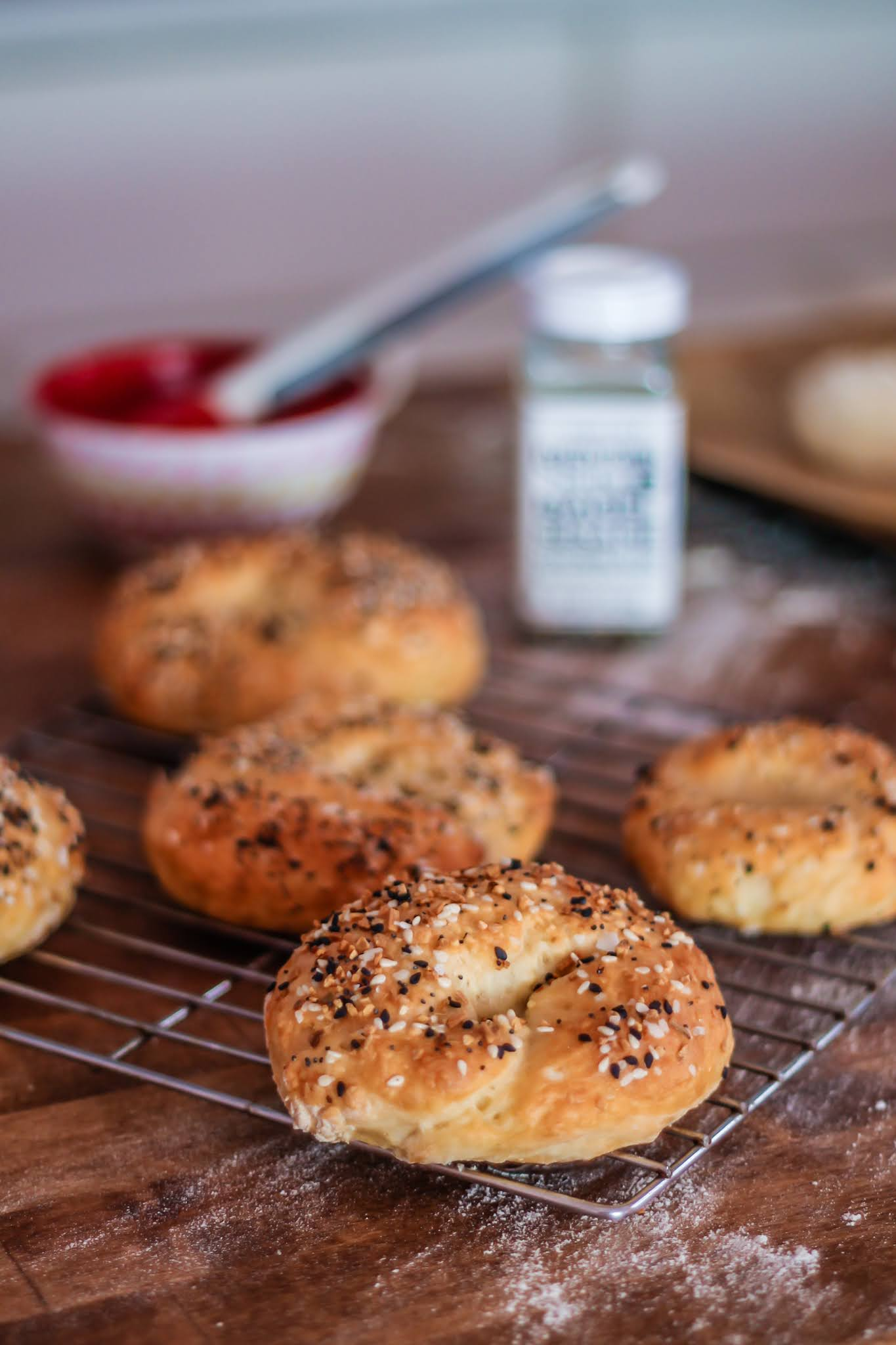 3 ingredients bagels // easy bagel recipe // three ingredient bagel recipe // bagel recipes // self rising bagel recipe // bagels in under 30 minutes // bagels // bagels recipes // no yeast dough // no yeast bagels //