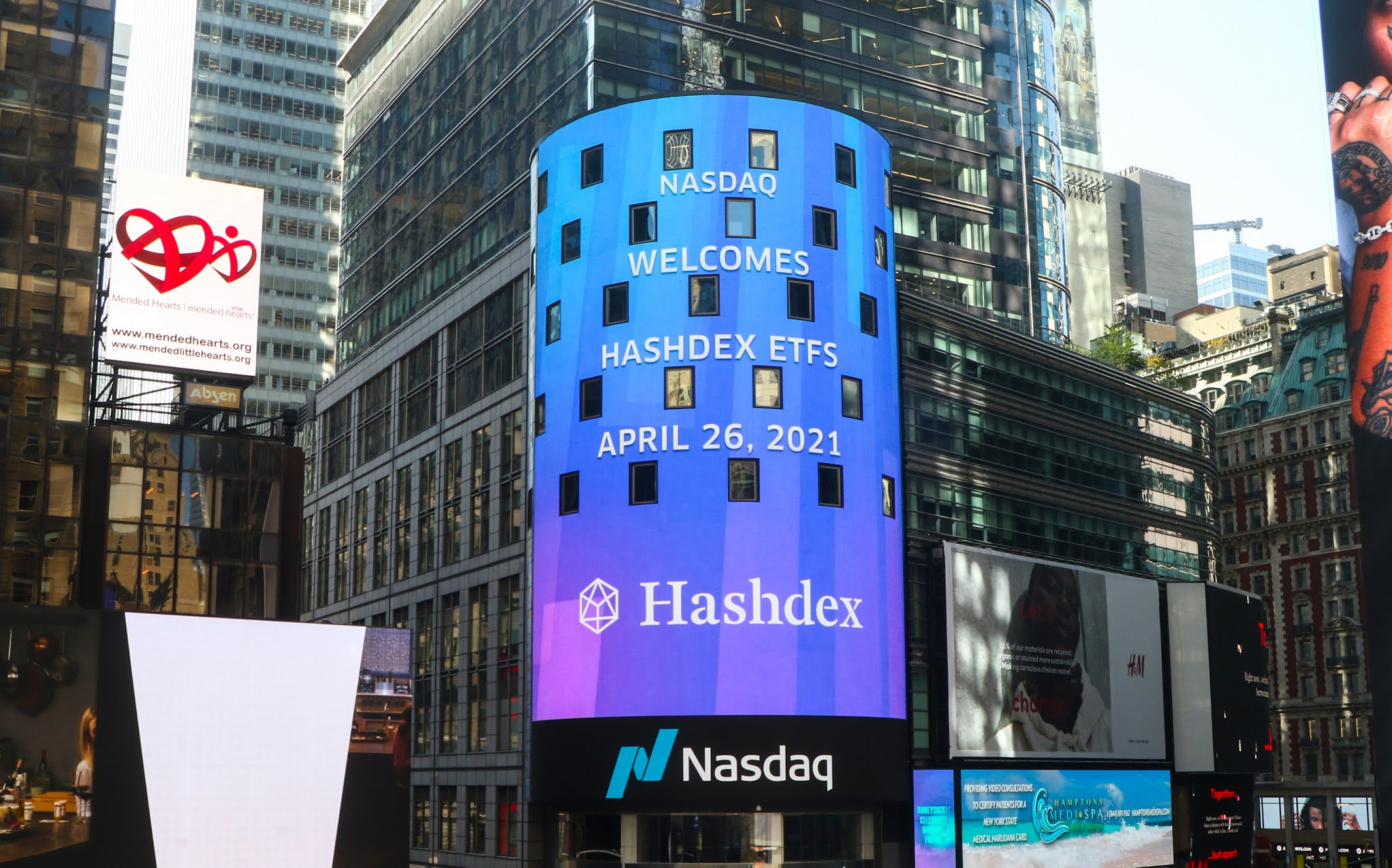 Hashdex Nasdaq Crypto Index ETF Debuts in Top 5