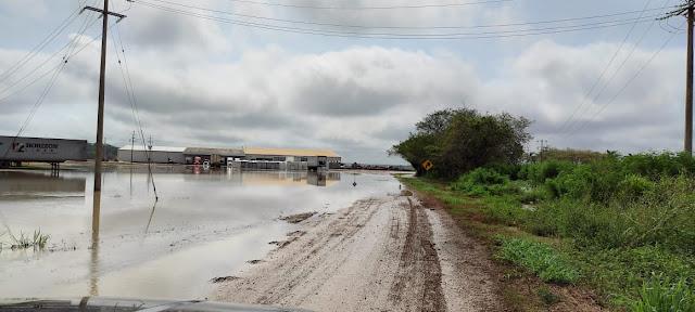 Procivy auxilia a 38 familias de Pocoboch afectadas por las fuertes lluvias en Tekax