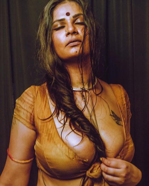 Aabha Paul Aabha Paul hot sexy saree wet photos Navel Queens