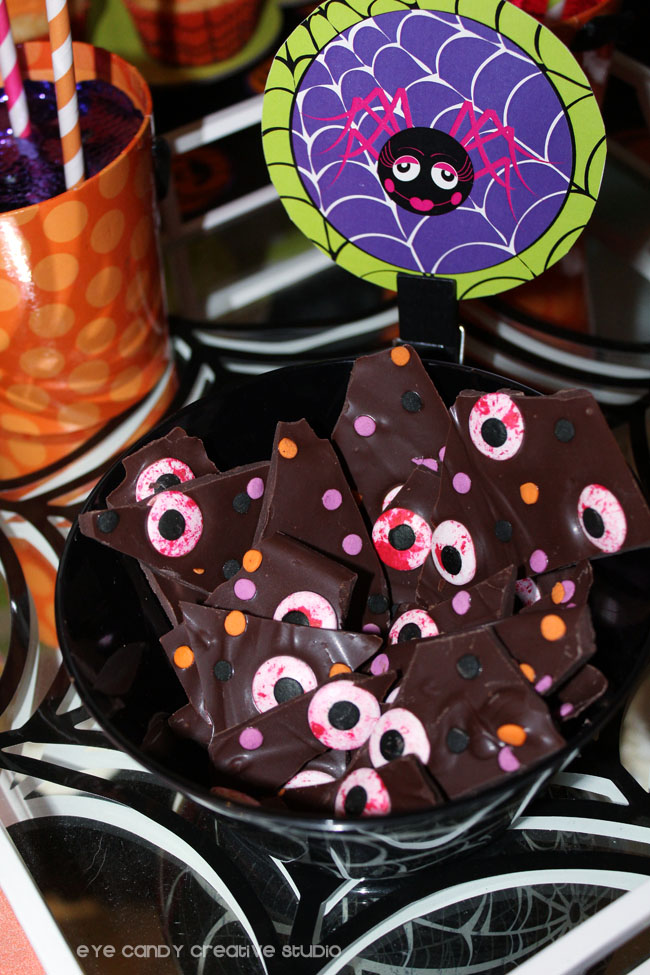 dpider circle, halloween eyeball bark, dessert table ideas, chocolate bark