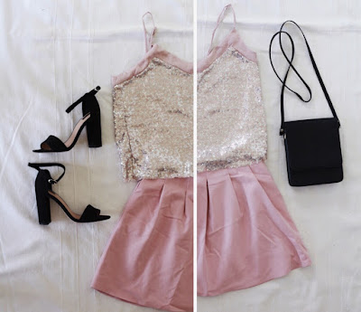 Stylizacja na ślub dla gościa - cekinowa bluzka i różowa spódniczka, czarne sandały na wysokim klockowym obcasie i czarna torebka.