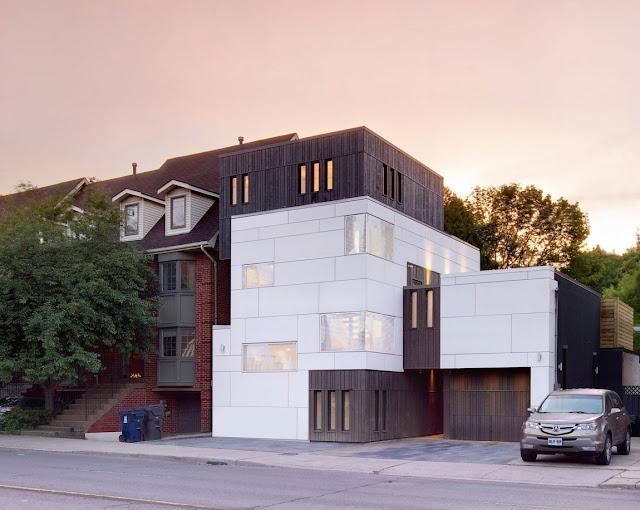 Современный дом любителей музыки в Торонто от Roundabout Studio