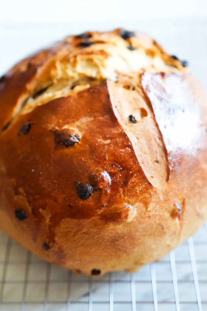 Irish barmbrack, a traditional Irish sweet bread with whiskey-soaked fruit and candied orange peel. | bakeat350.net