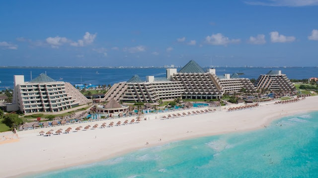 With the exquisite backdrop of the Caribbean Sea, Paradisus by Meliá Cancun - All Inclusive offers luxurious amenities including a 9-hole, par 3 golf course, four lavish pools and the signature YHI Spa.