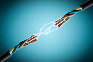 معنى وقوع ماس كهربائي في المنام