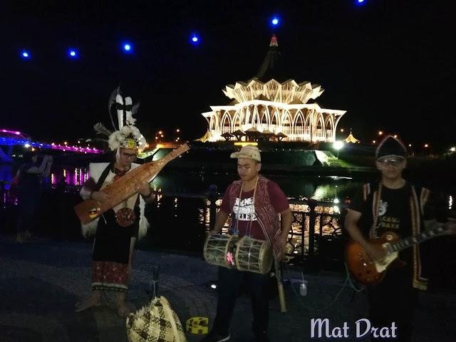 Waterfront Kuching Tempat Menarik Percutian ke Kuching