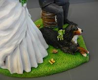 statuette sposini torte matrimonio con cani bovari bernesi orme magiche