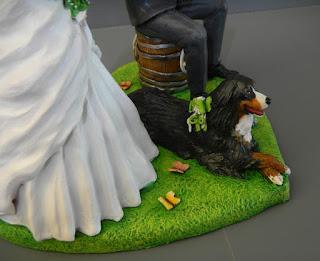 cake topper con cane bovaro del bernese statuine torta nuziale orme magiche