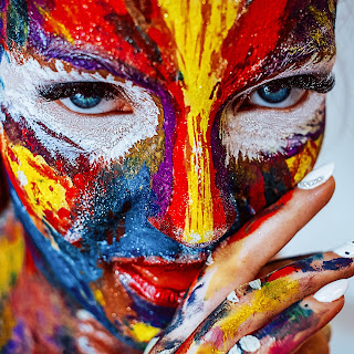 A beautiful pic of the painted face in holi