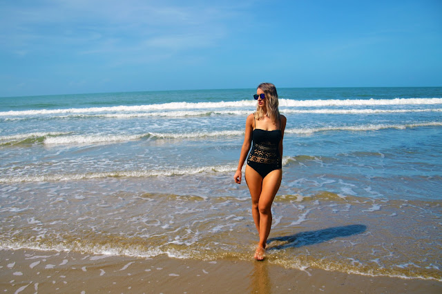 visit great barrier reef beach