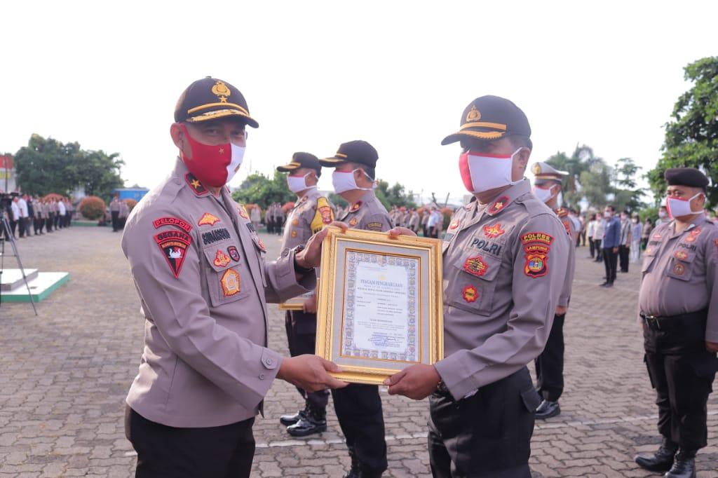 Personel Tulangbawang Berprestasi Dapat Reward dari Kapolda Lampung