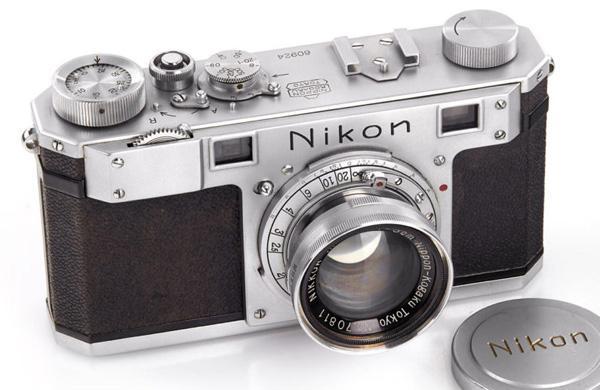 كاميرا نيكون النادرة Nikon 1 تُباع مقابل 400 ألف دولار